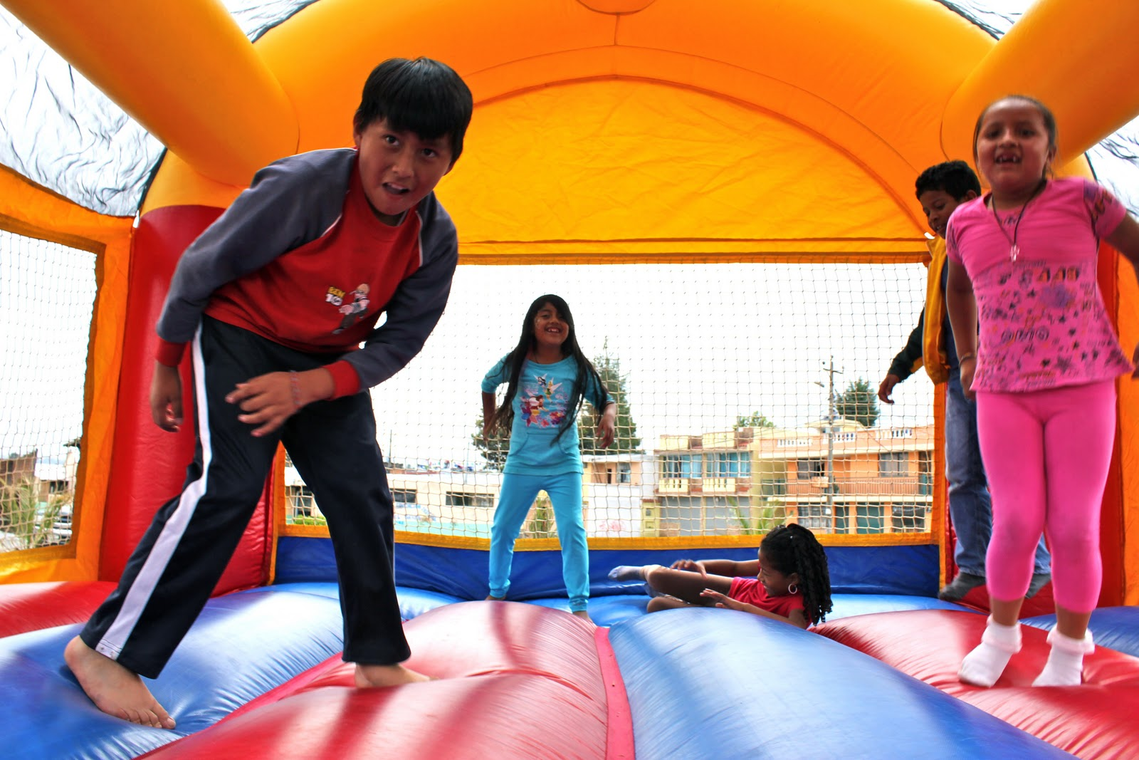 Read more about the article What Age is Old Enough for Bounce Houses?